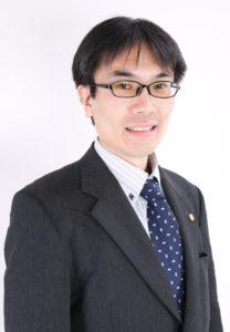 私が産業廃棄物収集運搬業許可光速申請請負人の長島です。